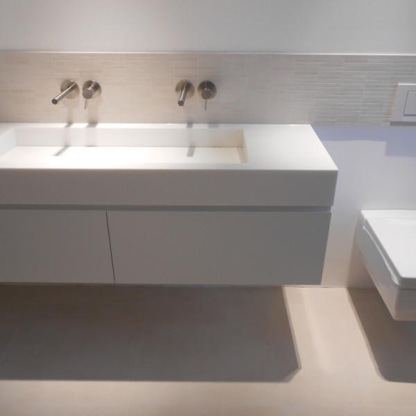 Waschtisch & WC